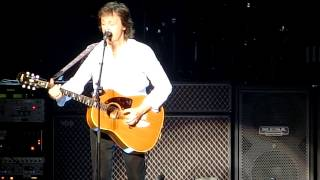 ポール・マッカートニー2015年4月28日 日本武道館公演から。曲前の武道...