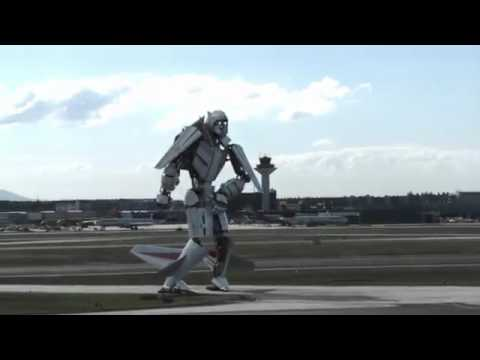 Spectacular landing at Frankfurt Airport - plane turned into robots