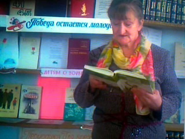 Изображение предпросмотра прочтения – СветланаМозжухина читает произведение «Дежурная сестра» (Татьяничева Людмила)