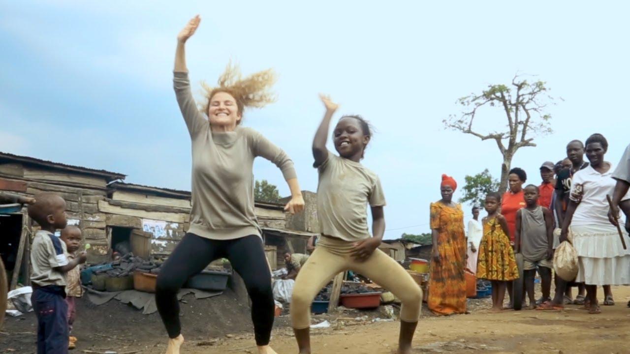 Masaka Kids Africana Dancing Together We Can ft 3wash_hip_hop & Karina Palmira