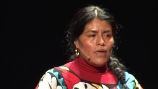 COMO ARREBATÉ LOS DERECHOS QUE LA VIDA ME NEGÓ | Eufrosina Cruz Mendoza | TEDxCuauhtémoc