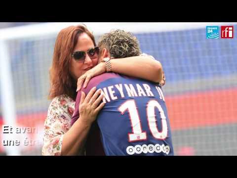 """Neymar, nouveau joueur du PSG : """"Le roi est arrivé à Paris !"""""""