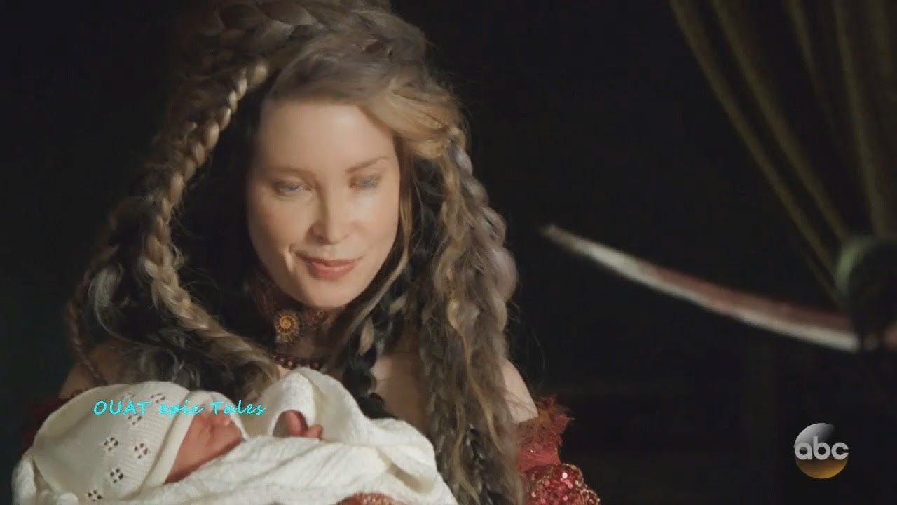 once upon a time 7x07 hook has a baby with the witch
