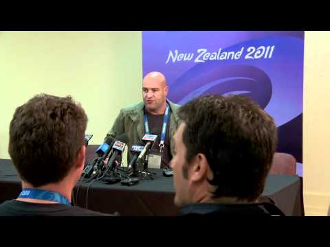Rugby Mundo - ep05 Press Conference Loafer