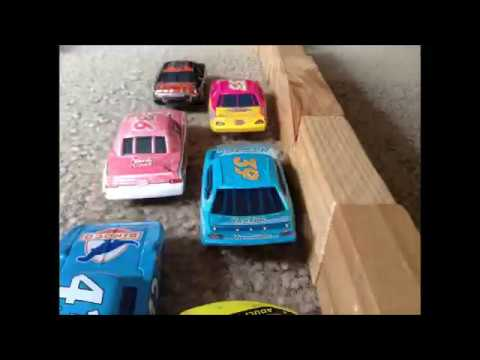 Pixar Cars Race 1