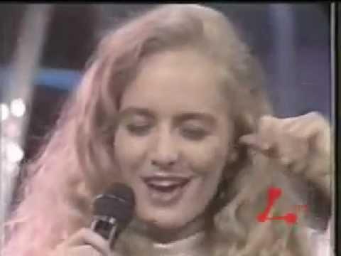 ANGÉLICA NO PROGRAMA MILK SHAKE 1990 - OOH LÁ LÁ - REDE MANCHETE