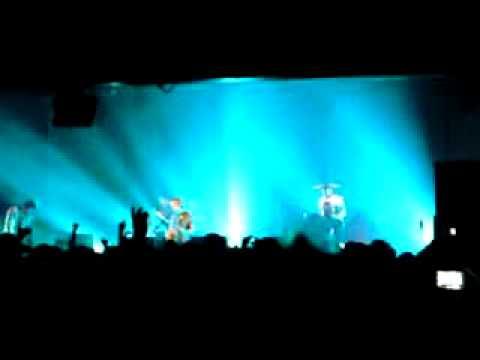 Feeder - We Are The People (Birmingham Academy 04/11/08)