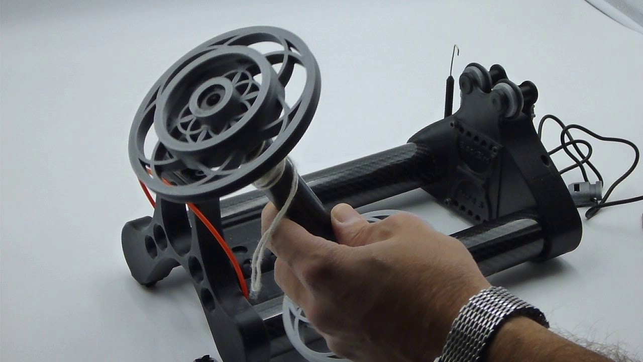 Blackbird E-Spinner, loading bobbins