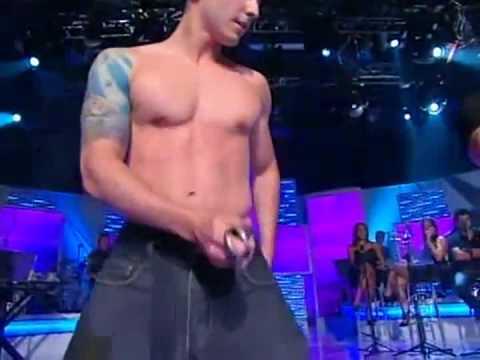 Striptease Rafael Delisa - Programa Raul Gil (12.02.11)
