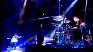 Скачать Arctic Monkeys She S Thunderstorms Glastonbury 2013 HD