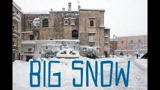 Nevicata record ad ischitella (fg) sul gargano avvenuta il 28 febbraio 2018, con oltre 50 cm di neve. servizio e montaggio vittorio agricola.