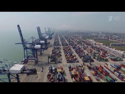 Нефтяные котировки упали на фоне заявления президента США ввести новые пошлины на китайские товары.