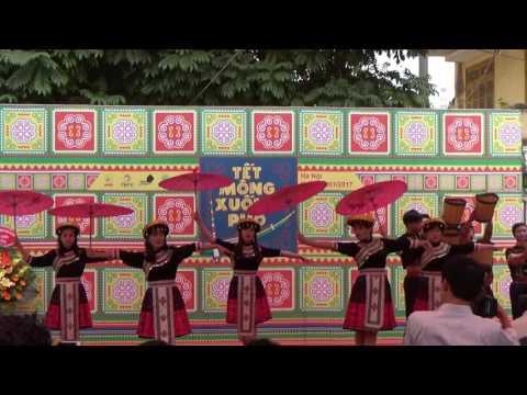 Múa Tết Hmong Xuống Phố 2017- Sinh Viên Hmong Việt Nam|Hmong New Year 2017.