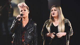 "Kelly Clarkson & P!nk ""Everybody Hurts"" LIVE at the 2017 American Music Awards"