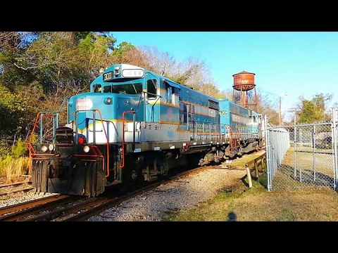 Aberdeen & Rockfish AR300-17 Throttles Up For The Trip Home GP18 #300 And GP38 #400 Fayetteville, NC