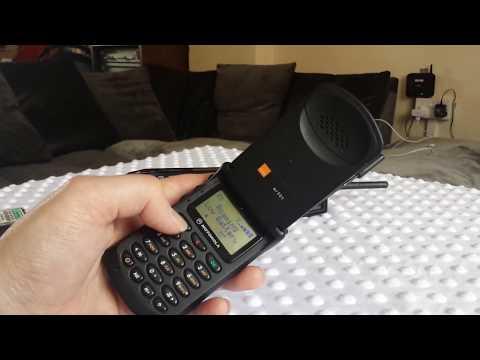 Retro phone Show Motorola starTac mr501