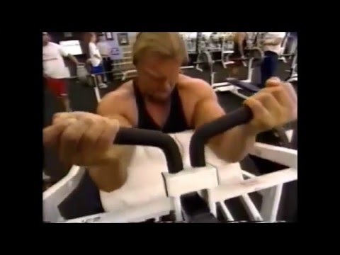 Triple H and Chyna Gym Workout WWF 2000