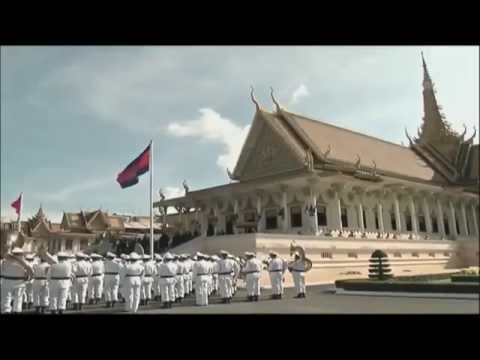 Cambodian King hosts welcome ceremony for President Xi Jinping in Phnom Penh