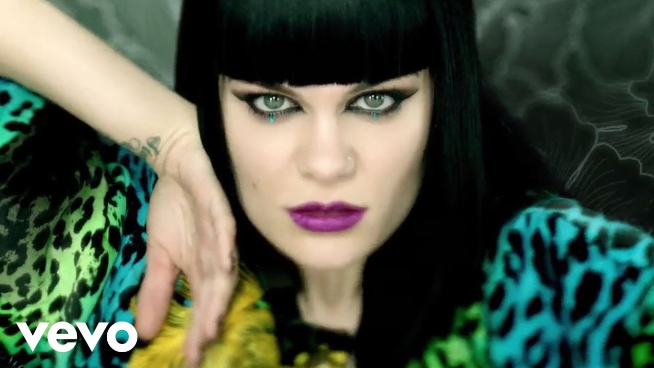 Download Jessie J - Domino (Official Video)