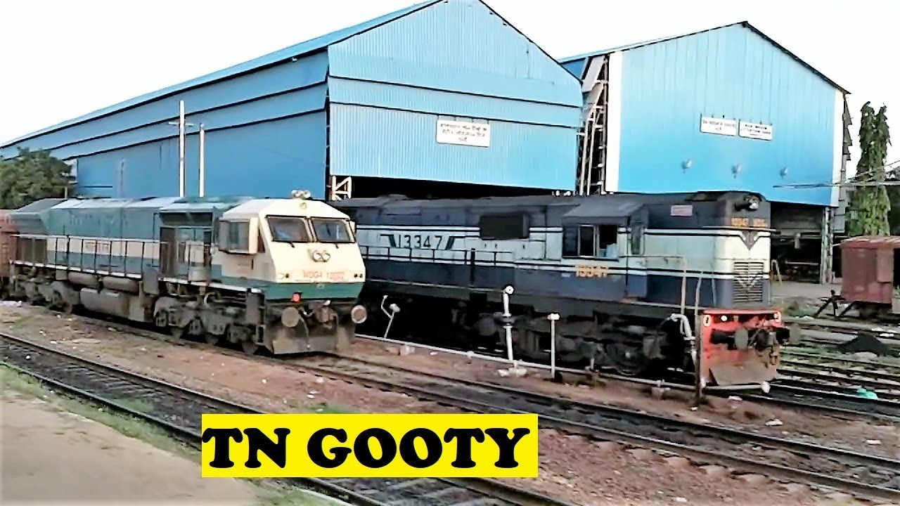 diverted tamil nadu express arrives gooty youtube