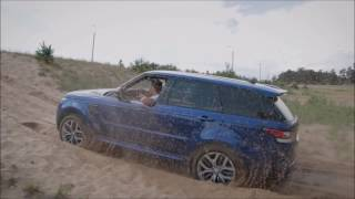 Range Rover Sport SVR and Land Cruiser 105 Off Road on Sand