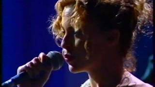 Kylie Minogue & Nick cave - Where The Wild Roses Grow - LIVE TV