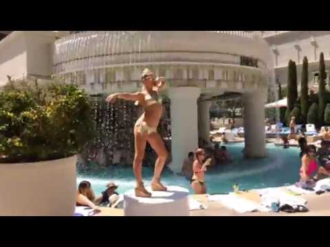 Live Uncut footage: July 4th  Wild Party at Caesars Palace Vegas Pool