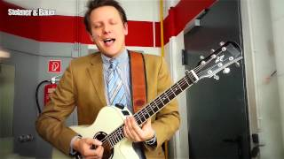 Starmoderator Wolfram Brechtel liebt seine Gitarre!