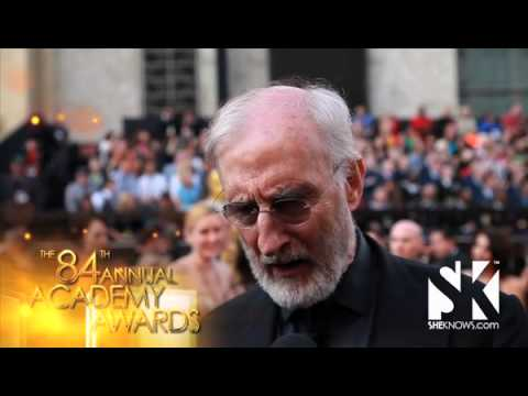 James Cromwell And The Artist  - SheKnows Goes To The Shows