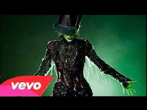 Danna Paola - En Contra De La Gravedad (Defying Gravity) - Audio