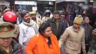 Hindu Mahasabha leader arrested in UP for shooting at Mahatma Gandhi's effigy