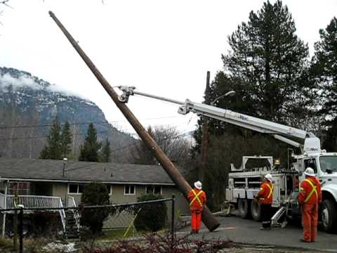 Fortisbc Power Pole Installation Castlegar Bc Youtube