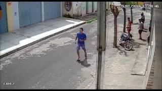 Câmeras de vigilância flagram acidente de trânsito no Centro de Cocal-PI