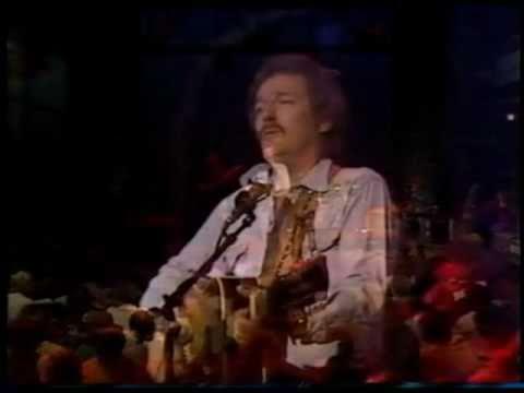 Gordon Lightfoot - The Wreck Of The Edmund Fitzgerald (1979)