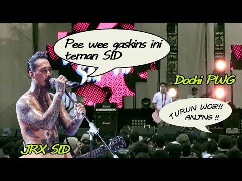 Pee Wee Gaskins Di Lempar Botol Oleh Penonton, JRX SID Pasang Badan Di Depan Bela PWG