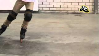 Crossover - перебежка вперед на роликовых коньках