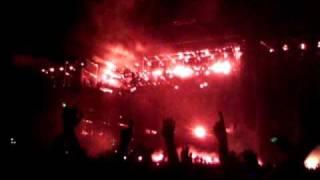 CHEMICAL BROTHERS - Three little birdies down beats / Hey Boy Hey Girl (Live @ Coachella 2011)