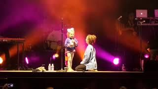 Lauren Daigle brings up a super cute 6 year old girl