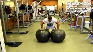 Тренировка бойцов ММА. Прокачка грудных мышц.