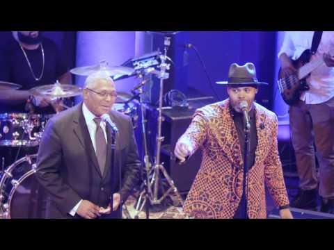 Eric Roberson & Pops singing