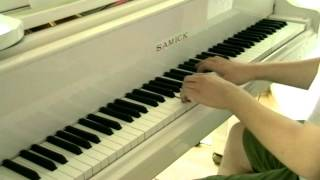 Music Every Day - Apple iPhone 5 Commercial - Red - Rob Simonsen (Piano)