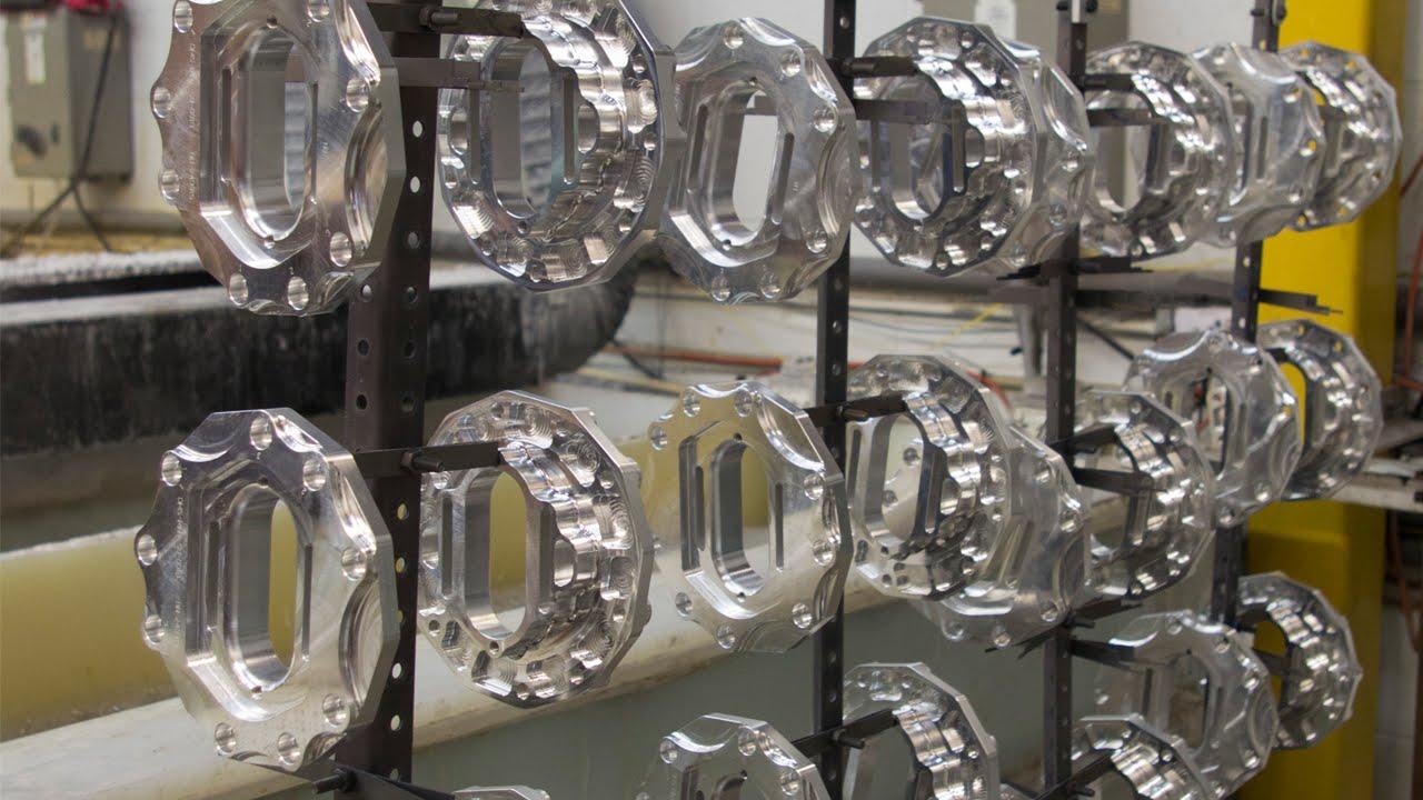 Anodizing process youtube for Peindre aluminium anodise