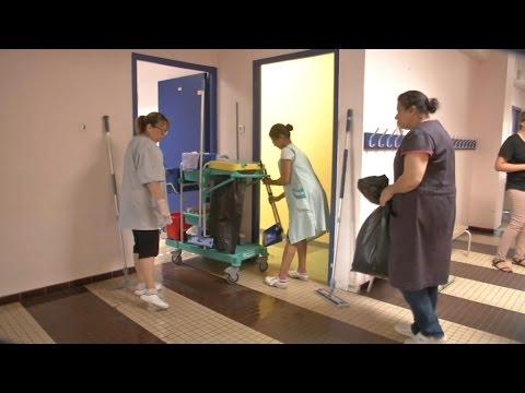 Grand Nettoyage Des Ecoles Avant La Rentree Youtube