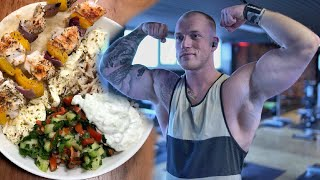 Ein Tag mit KAY - Training, Kochen, abnehmen ohne Kalorien zählen! - Schmale Schulter