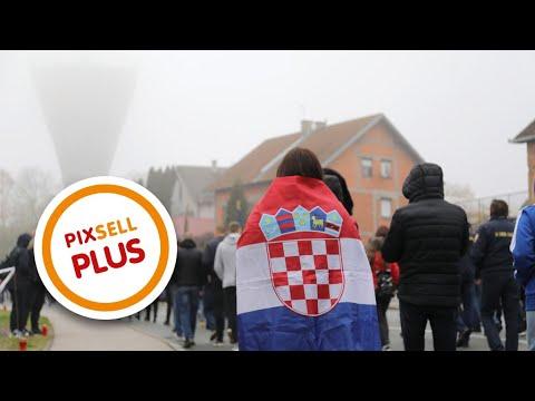 U posebnim epidemiološkim mjerama održana je Kolona sjećanja za Vukovar | PIXSELL PLUS VUKOWAR: Emlékmenet, járvány és politikai kirakodóvásár VUKOWAR: Emlékmenet, járvány és politikai kirakodóvásár hqdefault