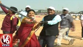 Savitri Visits International Kites And Sweets Festival At Parade Grounds | V6 News