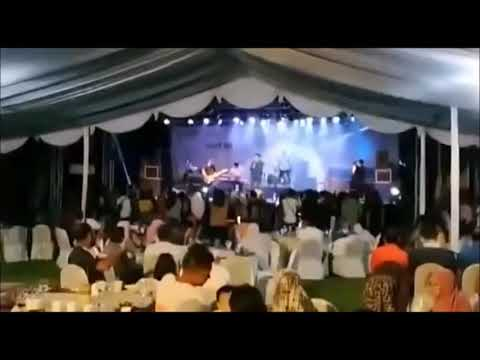 Tsunami In Indonesia 2018 12 22  Band Seventeen Live