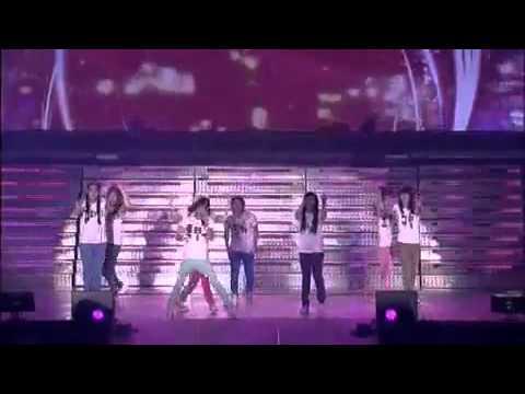 39. Super Junior - Gee [Super Show 2 DVD]