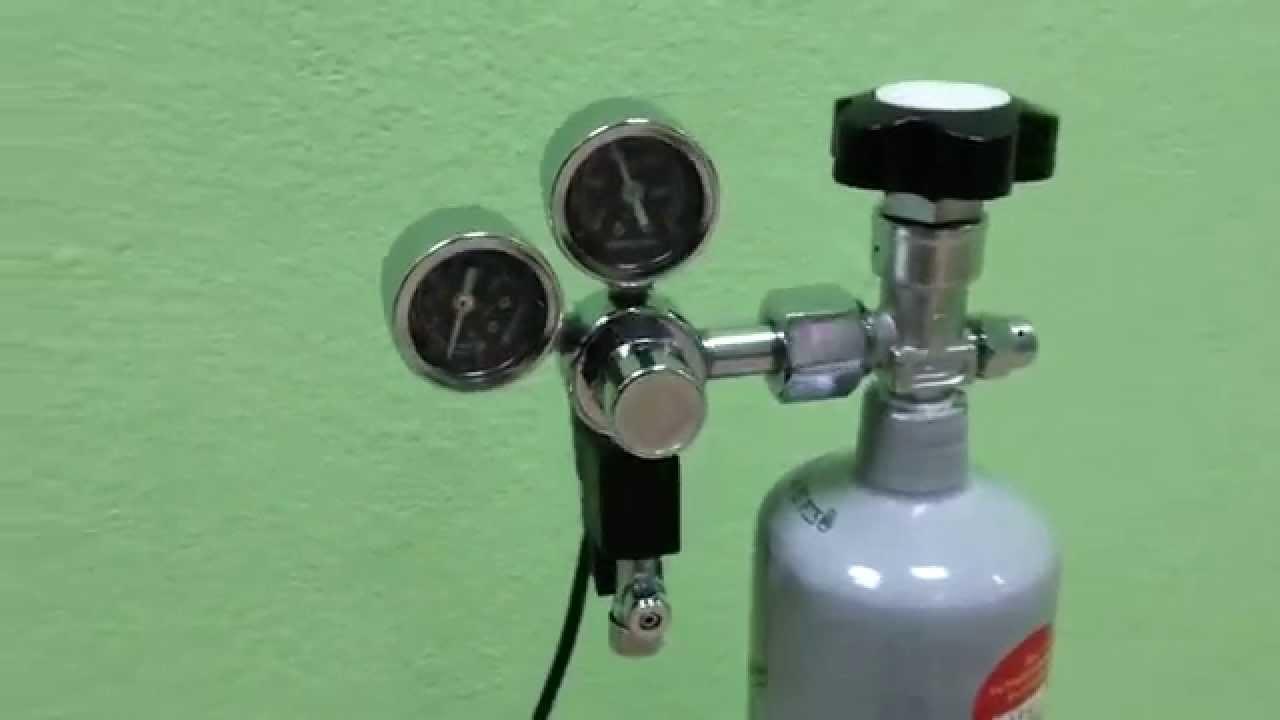 По наименованию топлива или газа, с которым работает газовый редуктор давления, эти сварочные устройства называются кислородными ( маркировка бко), пропановыми (бпо) и углекислотными регуляторами. Другой функцией углекислотных, кислородных и пропановых (бко и бпо) газовых.