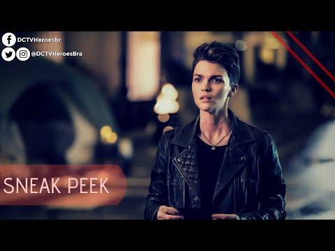 "Batwoman • Sneak Peek Do Episódio 1x2 - ""Rabbit Hole"". (Legendado)"